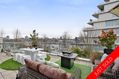 Vancouver WATERFRONT W/600 SQ FT SUNDECK for sale: 2 BEDR+DEN/OR 3 BEDR 1,305 sq.ft. (Listed 2018-03-23)